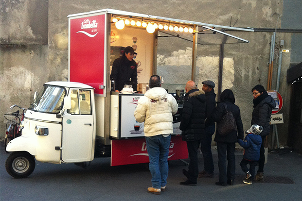 Ape on Tour Caffè Trombetta - Guerrilla Marketing