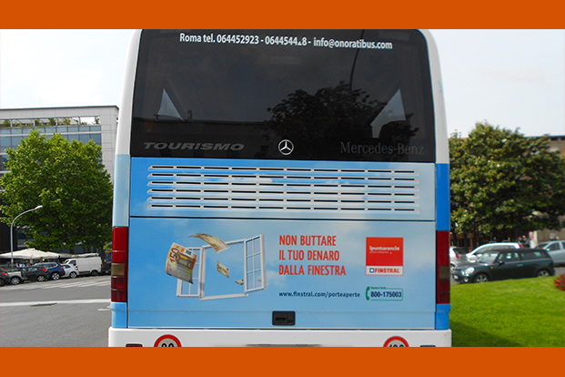 Pullman on Tour Finstral - Guerrilla Marketing